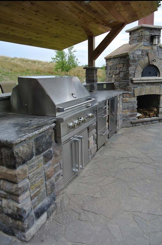 Outdoor Kitchen - Cherry Ridge Construction